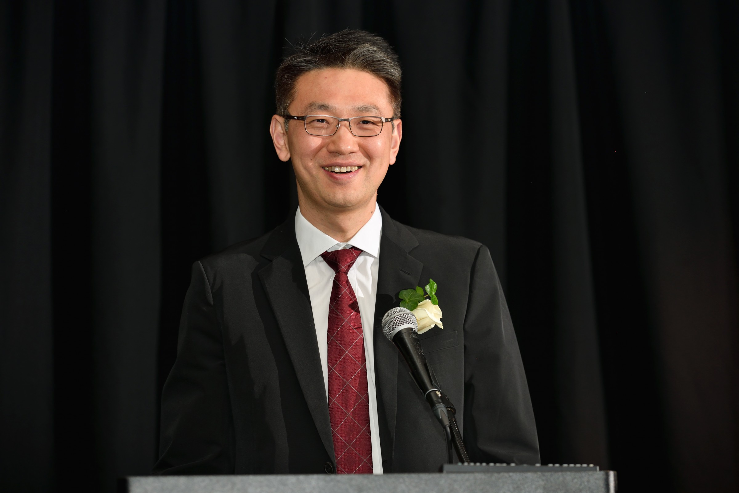 Yunhao Liu received the MSU College of Engineering Computer Science and Engineering Distinguished Alumni Award in May 2017.